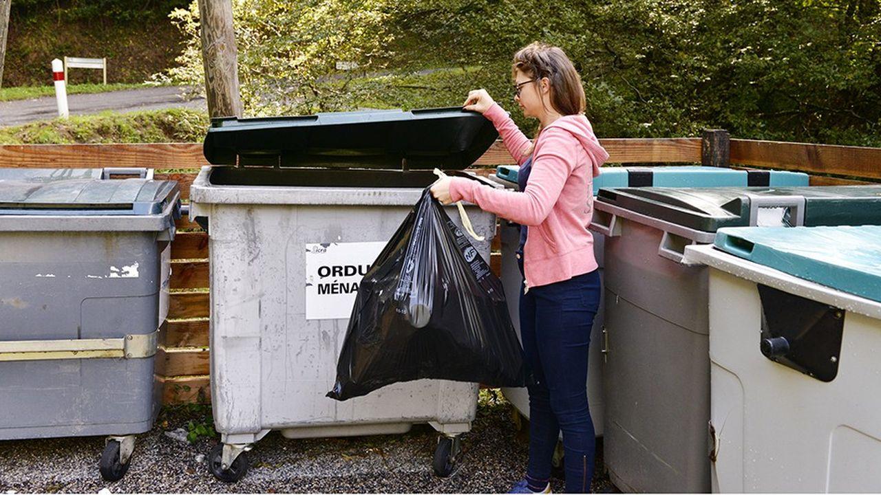 2212851_dechets-non-recyclables-lexecutif-refuse-de-taxer-les-industriels-web-tete-0302393121727.jpg