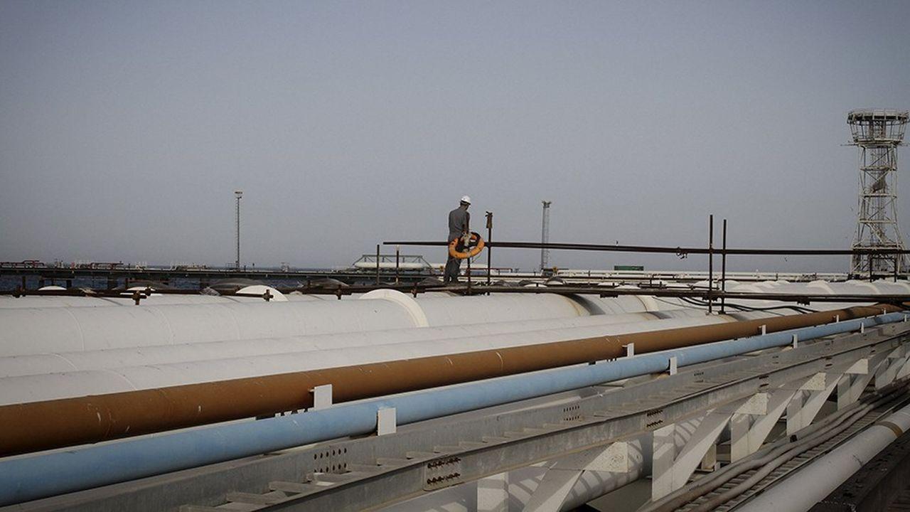 Les exportations iraniennes (ici l'île de Kharg dans le Golfe persique) sont tombées à 1,6million de barils par jour, presque un million de moins qu'en avril à la veille de l'annonce des sanctions américaines, et le recul devrait se poursuivre le mois prochain.