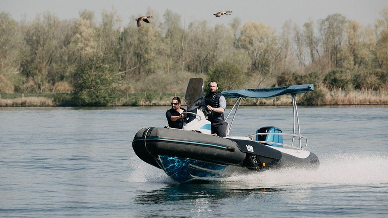 2214469_wetton-le-bateau-amphibie-qui-integre-sa-propre-remorque-web-tete-0302420743276.jpg
