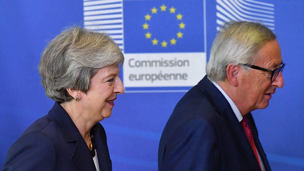 La Première ministre britannique Theresa May et le président de la Commission européenne Jean-Claude Juncker.