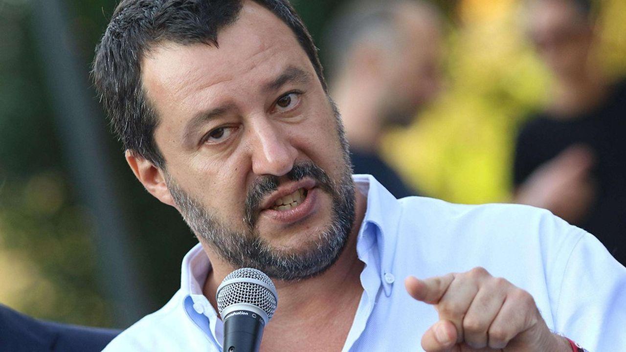 A ceux qui osent lui rappeler l'existence de règles à respecter ou l'enjoigne à prendre en considération les réalités budgétaires, économiques ou européennes, la réponse donnée par Matteo Salvini est toujours la même : « Je m'en fous. »