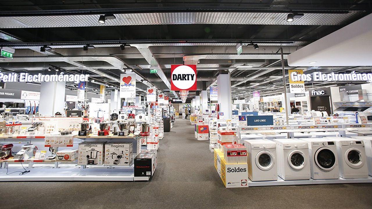 Darty teste l'implantation de petits magasins dans des hypermarchés Carrefour. L'enseigne le fait déjà dans certaines Fnac.