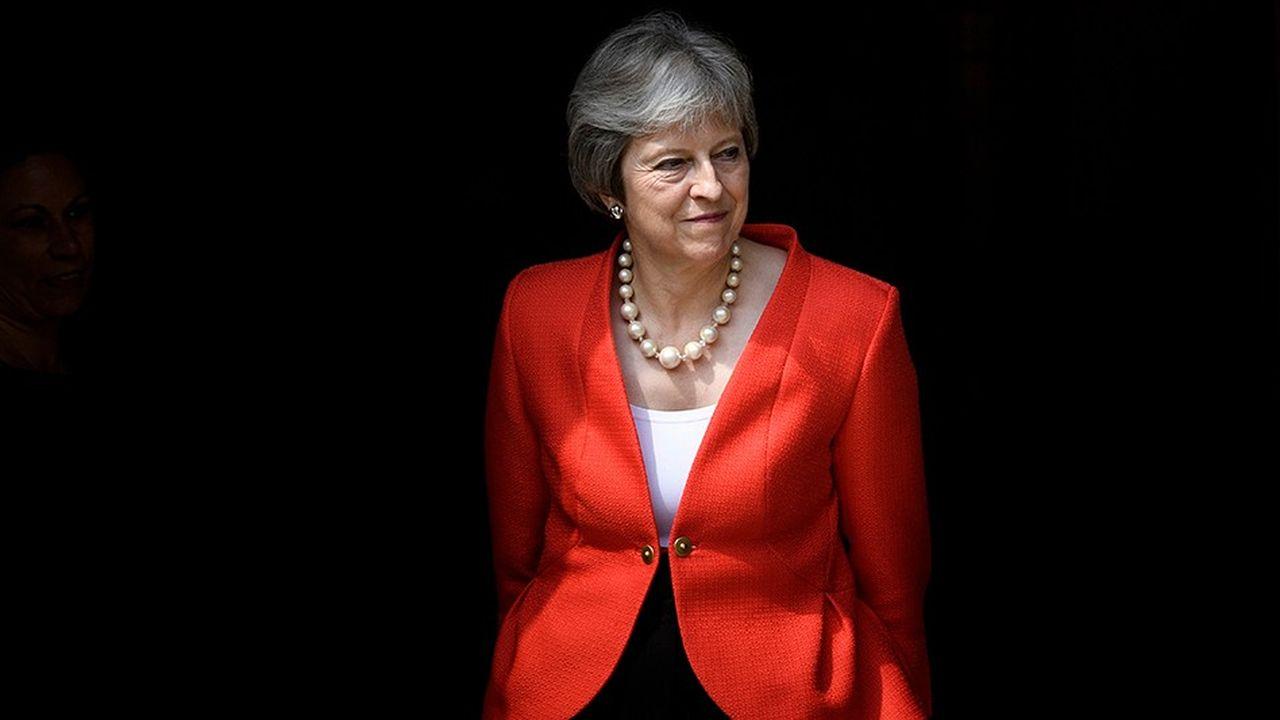2214761_brexit-lextension-de-la-periode-de-transition-un-cadeau-empoisonne-pour-may-web-tete-0302433444625.jpg