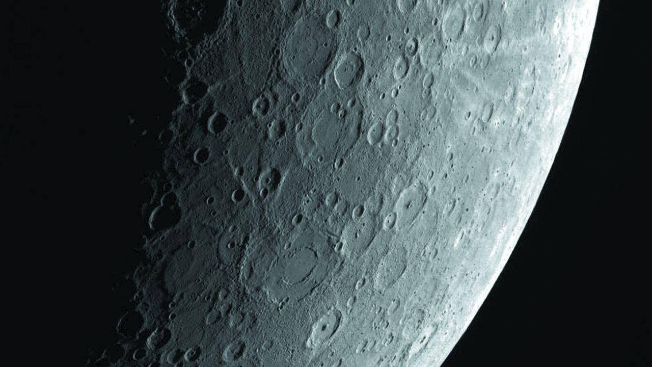 Aperçu de la surface de Mercure, pris en avril 2013, lors de la mission Messenger de la Nasa