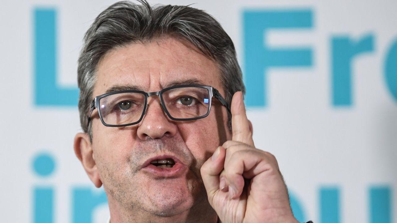 «Les journalistes de France Info sont des menteurs, sont des tricheurs», a-t-il ajouté en qualifiant également de «pitres calomniateurs» les employés d'un «service public de l'Etat qui est la propagande de l'Etat».