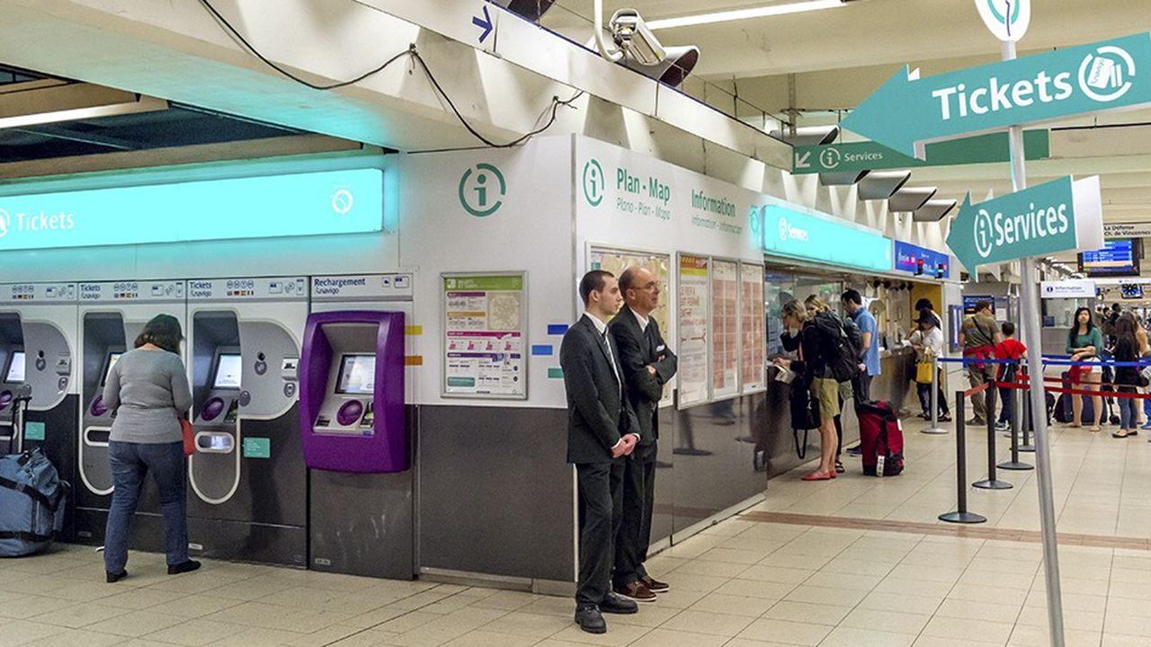 Dans certaines stations, les agents RATP pourraient quitter leurs guichets en heures creuses pour aller rejoindre des équipes mobiles.