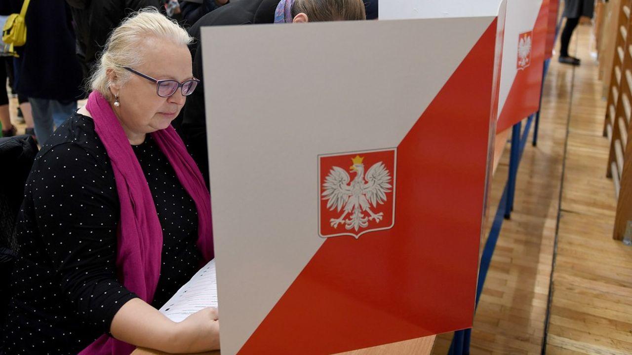 2215630_elections-en-pologne-le-parti-au-pouvoir-resiste-mais-rate-les-grandes-villes-web-tete-06014816251.jpg