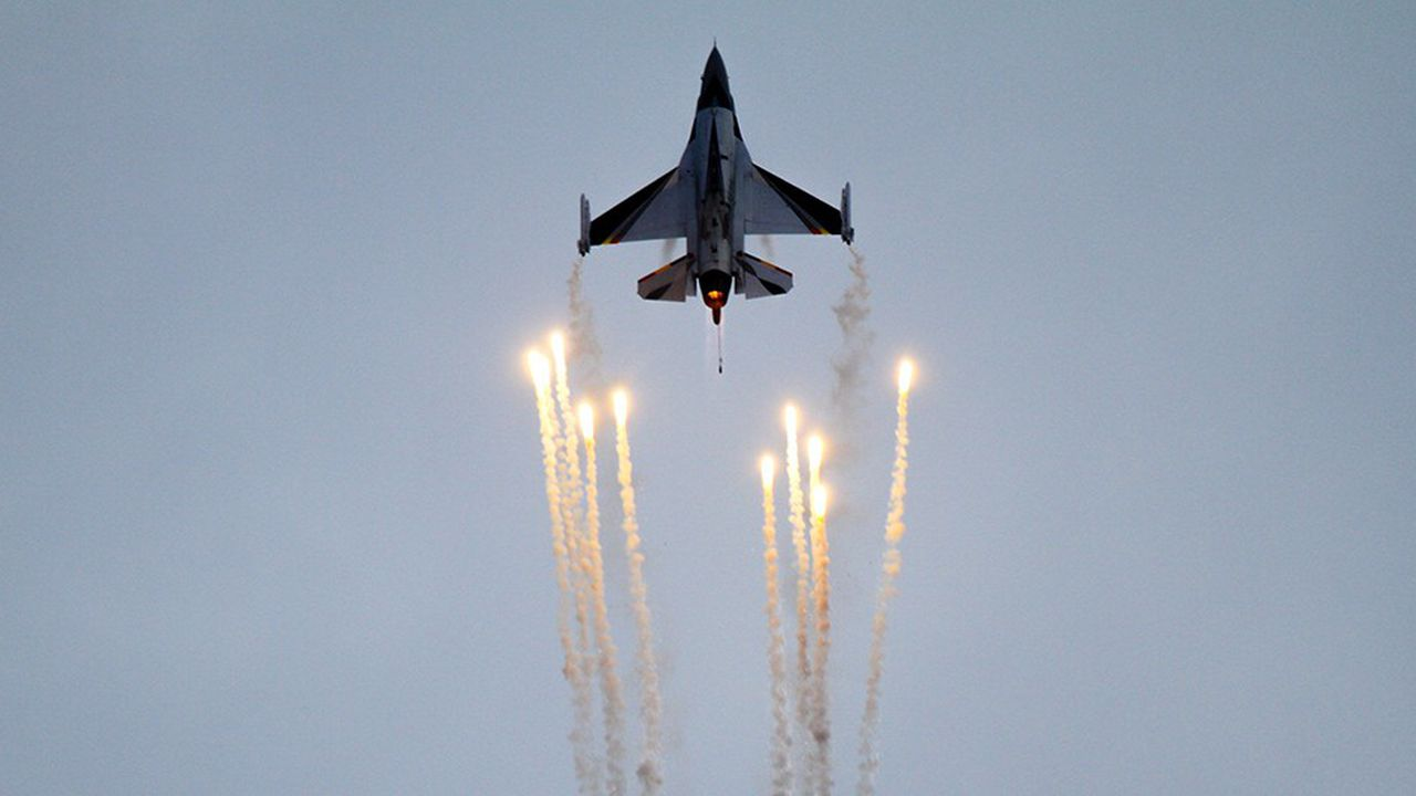L'attribution définitive du marché de remplacement des F-16 de l'armée belge, datés des années 1970, devrait avoir lieu d'ici à la fin du mois.