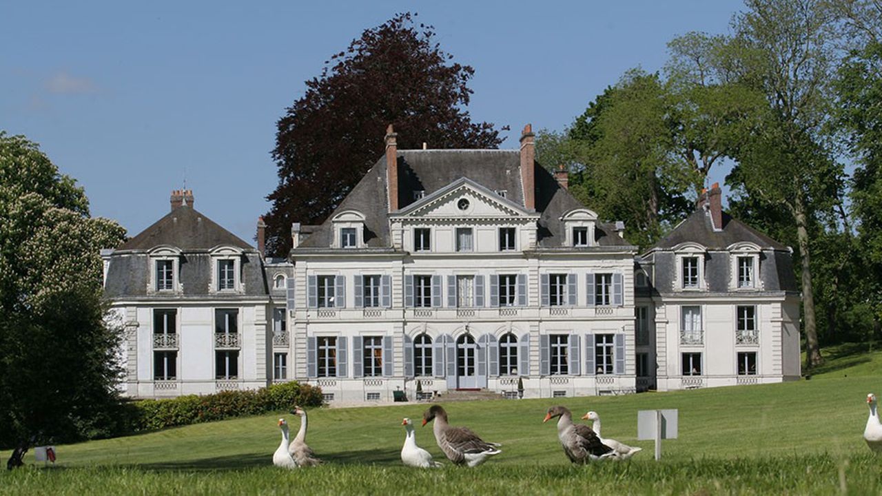 2215928_comment-chateauform-le-specialiste-du-seminaire-chic-reste-dans-la-course-web-tete-0302436376050.jpg