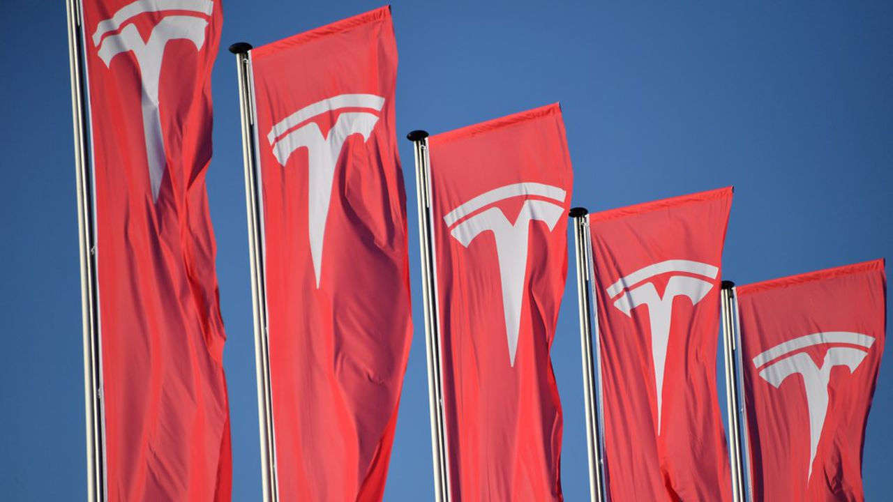 2216555_tesla-franchit-un-cap-decisif-en-devenant-rentable-web-tete-06033494852.jpg