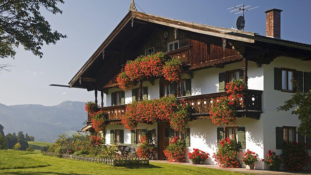 2216558_ca-se-passe-en-europe-les-allemands-nont-jamais-ete-si-heureux-financierement-web-tete-06029608933.jpg
