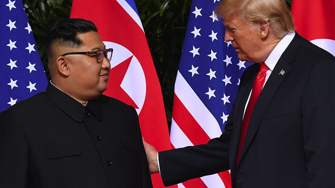 Donald Trump, qui s'apprête à retrouver une seconde fois Kim Jong-un en face-à-face, n'a plus de mots assez doux pour le jeune dictateur.