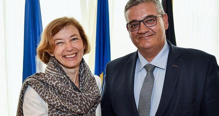 Faurecia chute en Bourse après son projet de rachat du japonais La France obtient la confirmation de la commande promise en juin 2017 par le ministre de la défense belge, Steven Vandeput, à son homologue française, Florence Parly.