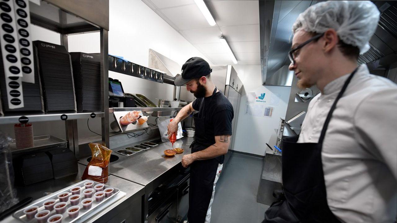 Les plats à emporter et les livraisons devraient représenter environ 15% des ventes des restaurants à l'horizon 2028.