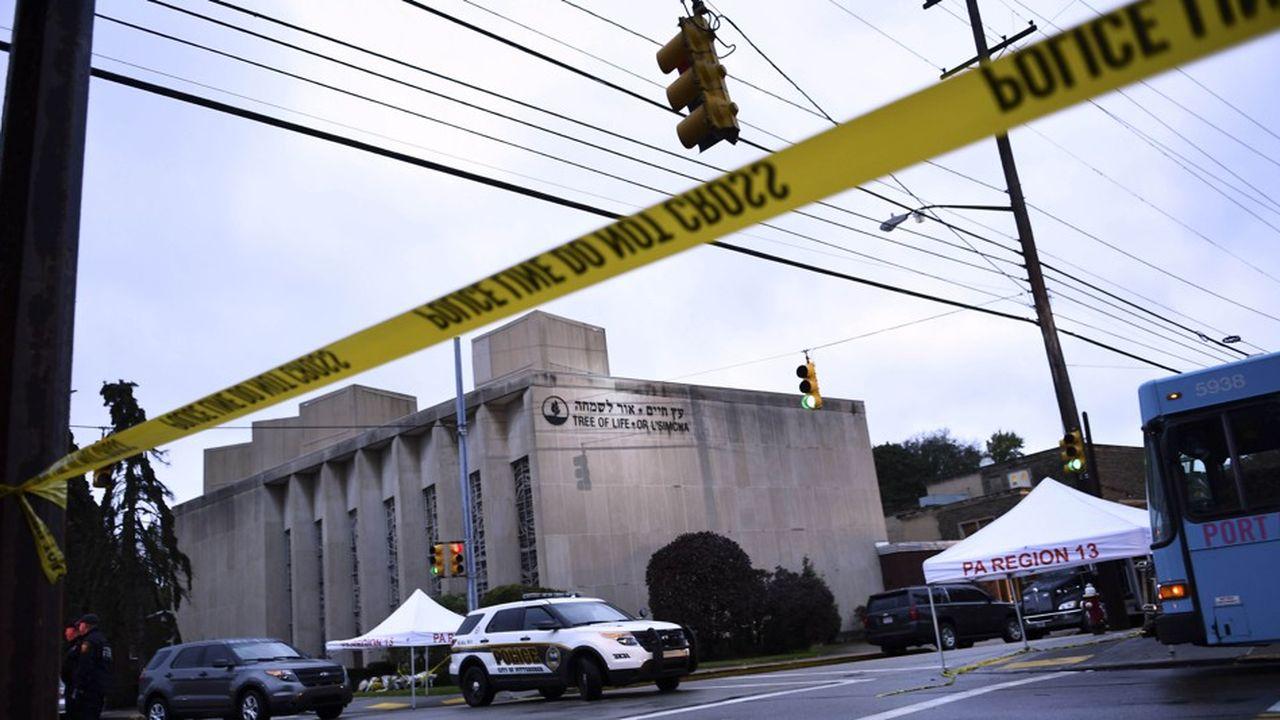 La police a interpellé l'auteur présumé de la tuerie, Robert Bowers, qui fait face à 29 chefs d'accusation.