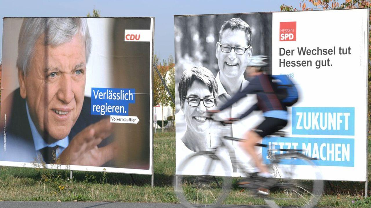 L'Union chrétienne-démocrate a enregistré le plus mauvais score de son histoire : la CDU enregistrait 28% des suffrages dépouillés en début de soirée, soit une baisse de plus de dix points en cinq ans.