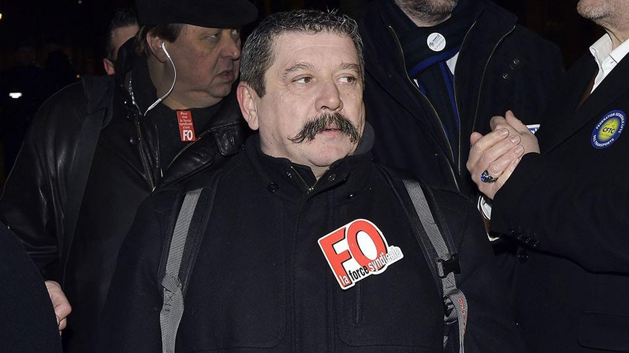 Le secrétaire général de la fédération des transports de Force ouvrière, Patrice Clos, lors d'une mobilisation sur les salaires des routiers, en janvier2015.
