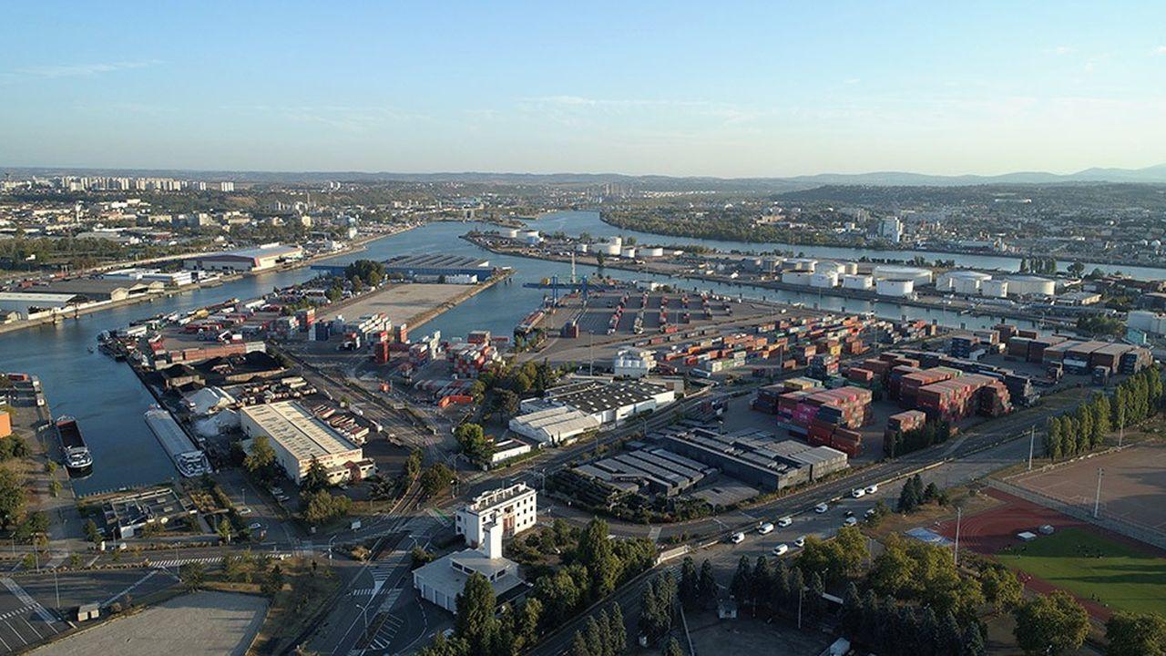 Depuis 2015, le port lyonnais est confronté à une régression du volume de conteneurs.