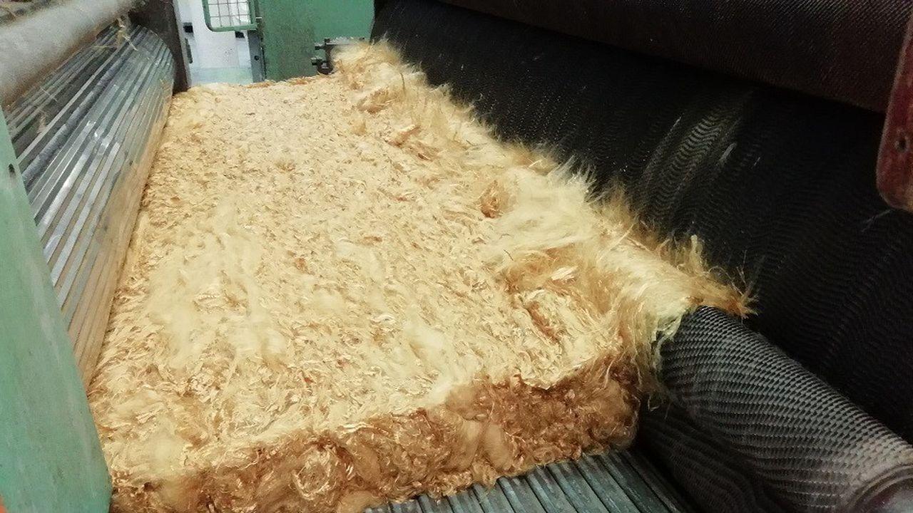 Ferlam Technologie produit et recycles des fibres de textile technique.