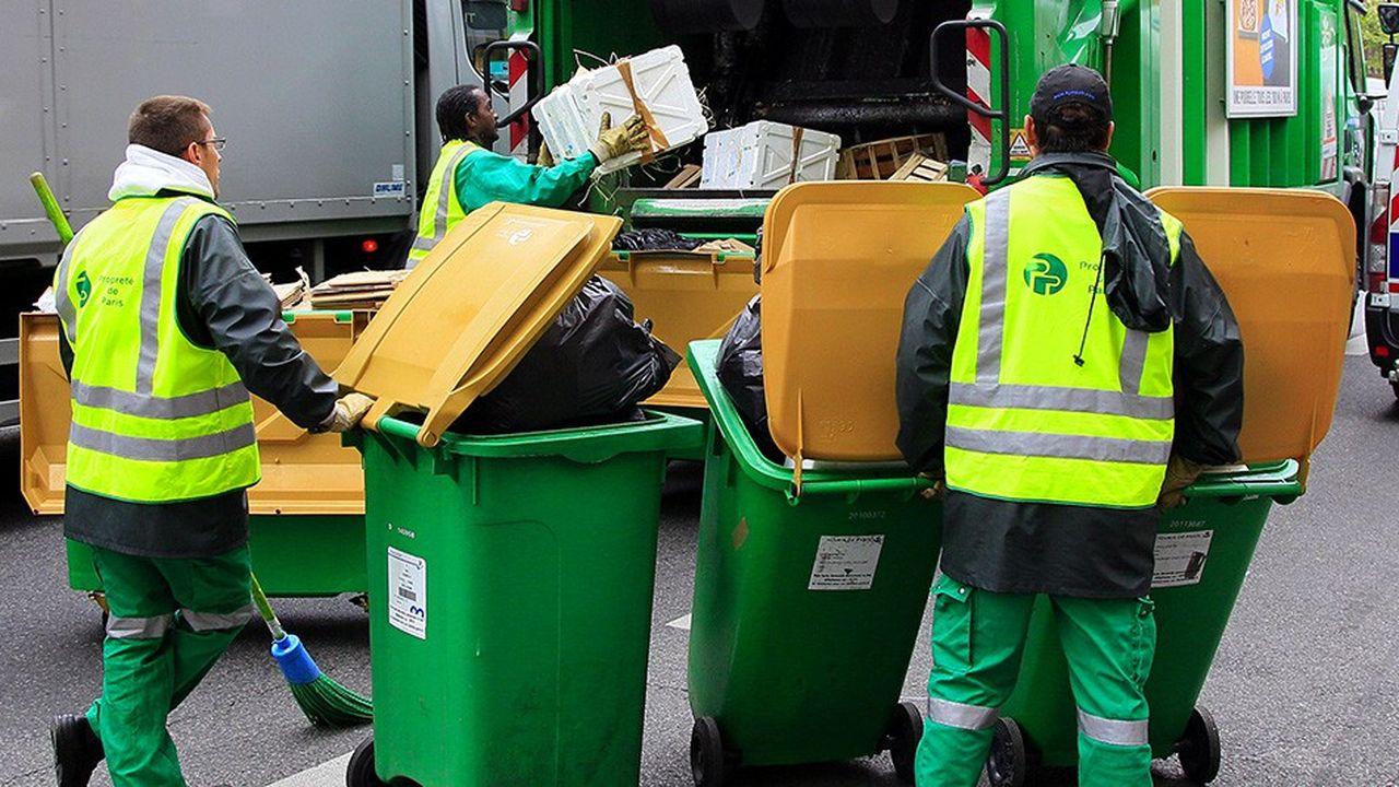 Pour accompagner cette simplification, Paris prévoit dans les 24 mois de se doter de 3.500 bacs jaunes de tri et de 2.000 bacs blancs supplémentaires (pour la poubelle non triée) ainsi que de 1.000 Trilib' supplémentaires (destinés aux emballages papier et verre).