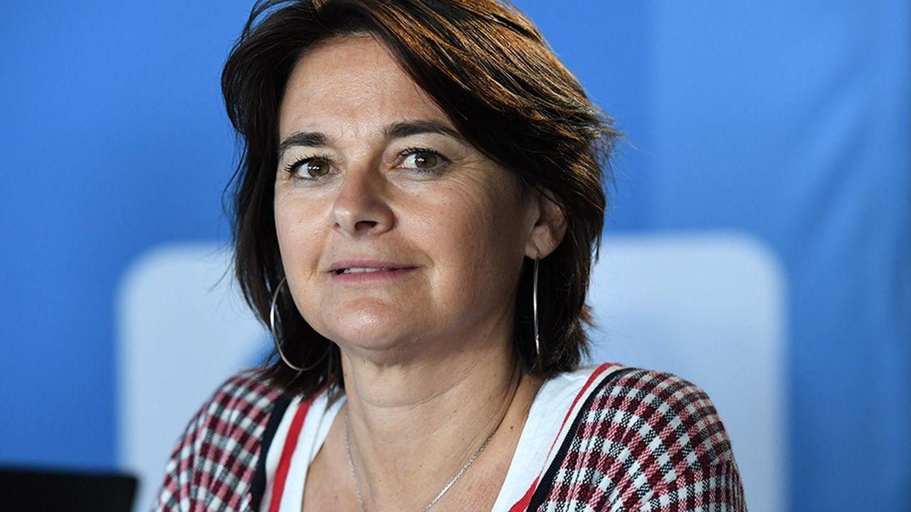 Nathalie Sonnac est spécialiste de l'économie des médias et a écrit de nombreux ouvrages sur ce thème.