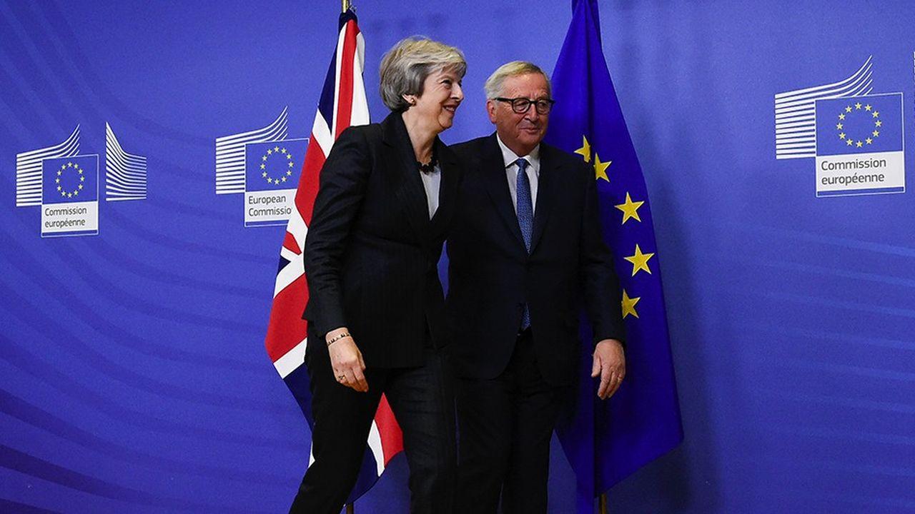 Le président de la Commission européenne, Jean-Claude Juncker, et la Première ministre britannique Theresa May, se sont retrouvés mercredi à Bruxelles.