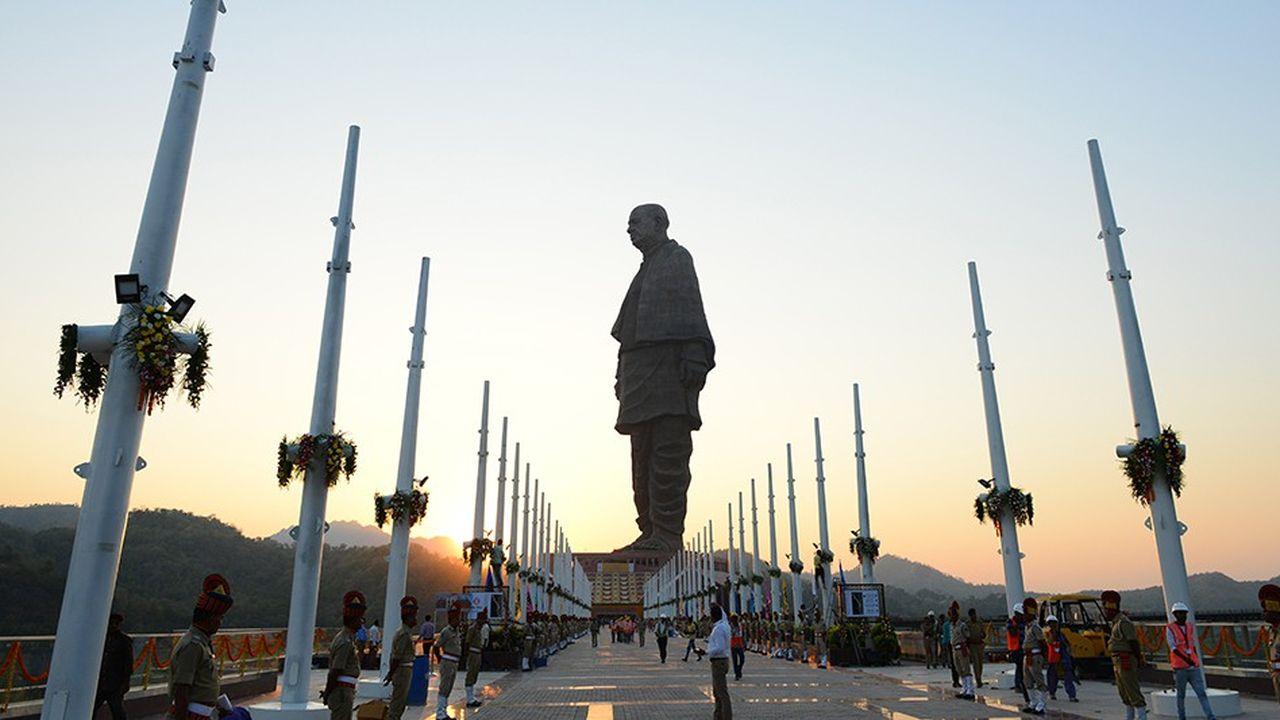 La statue de l'Unité est deux fois plus grande que la statue de la Liberté de New York.