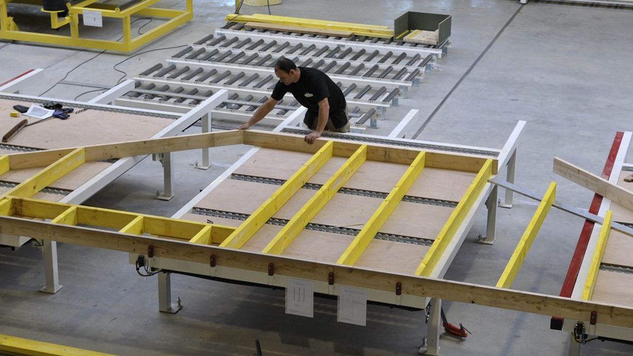 Trécobat investit dans deux usines de panneaux en bois.
