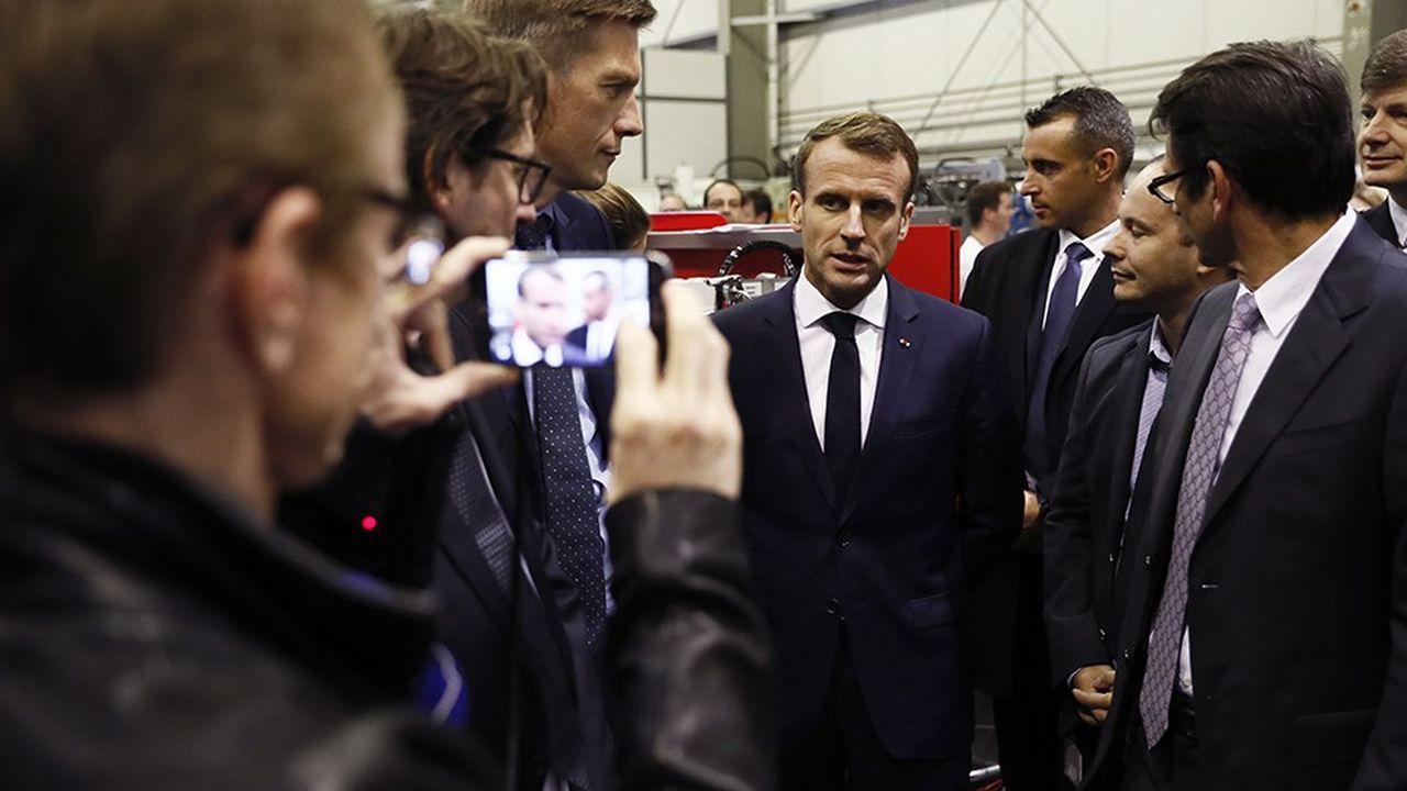 La première journée de l'itinérance d'Emmanuel Macron pour le centenaire de l'Armistice avait une tonalité principalement économique. Ci-dessus lors d'une visite de l'entreprise Novasep, à Pompey.