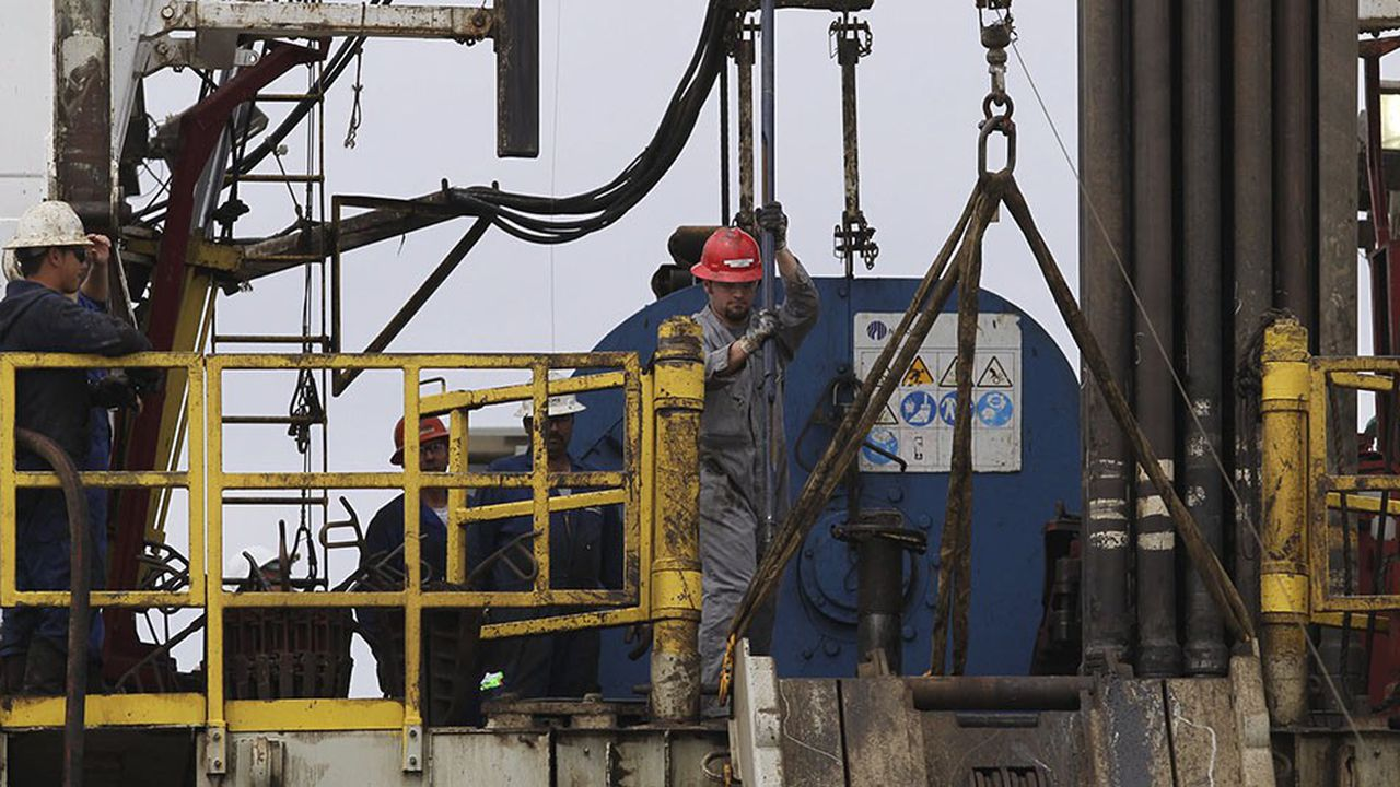 Rig de forage à San Antonio, Texas.La région est une des zones pétrolières les plus actives de la planète.
