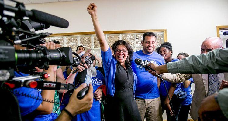 Ancienne élue locale démocrate du Michigan, quarante-deux ans, cette fille d'immigrés palestiniens, née à Detroit, devrait être la première musulmane à siéger au Congrès, les républicains ne présentant pas de candidat dans sa circonscription.