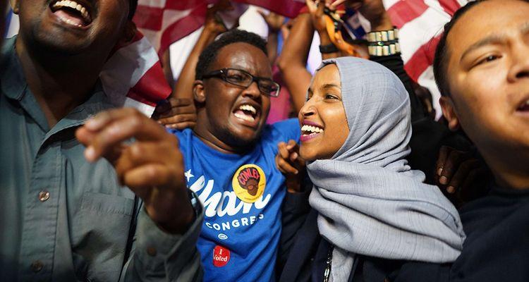 Ilhan Omar est un autre visage de cet « American Dream » qu'on a longtemps cru évaporé. A trente-six ans, cette démocrate d'origine somalienne devrait représenter le Minnesota au Congrès