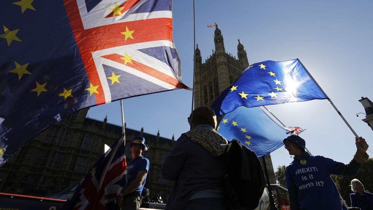 A contre-courant, c'est autour de la City de Londres que les partisans du Brexit sont plus nombreux que lors du vote.