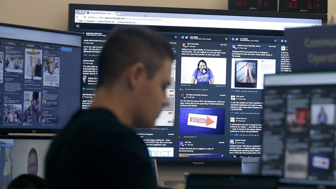 Les principaux réseaux sociaux, à l'image de Facebook, ont mis en place des équipes dédiées pour repérer les faux comptes et les tentatives d'ingérence dans les élections américaines