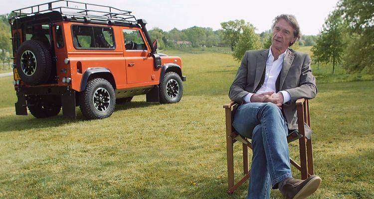 L'objectif de Jim Ratcliffe : créer un successeur du mythique Land Rover Defender, que Jaguar Land Rover a cessé de fabriquer en 2016.