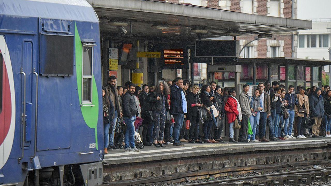 La ligne C du RER, ici en gare de Vitry, subit encore de nombreuses interruptions de trafic.