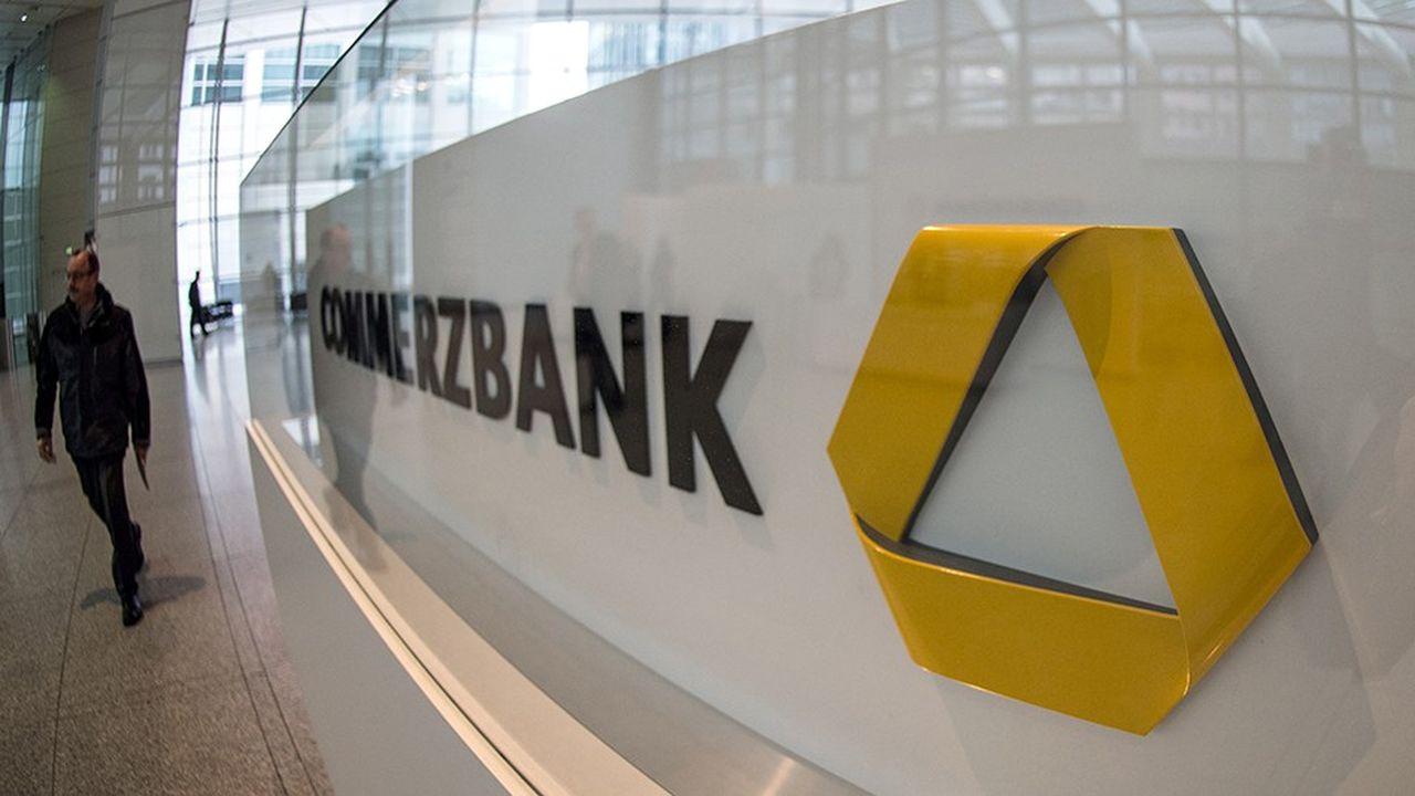 La banque francfortoise dirigée par Martin Zielke a lancé une restructuration fin 2016 pour réduire ses coûts et prendre le tournant numérique.