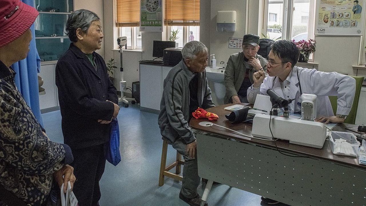 La Chine compte seulement 12millions de médecins pour 1,4milliard d'habitants.
