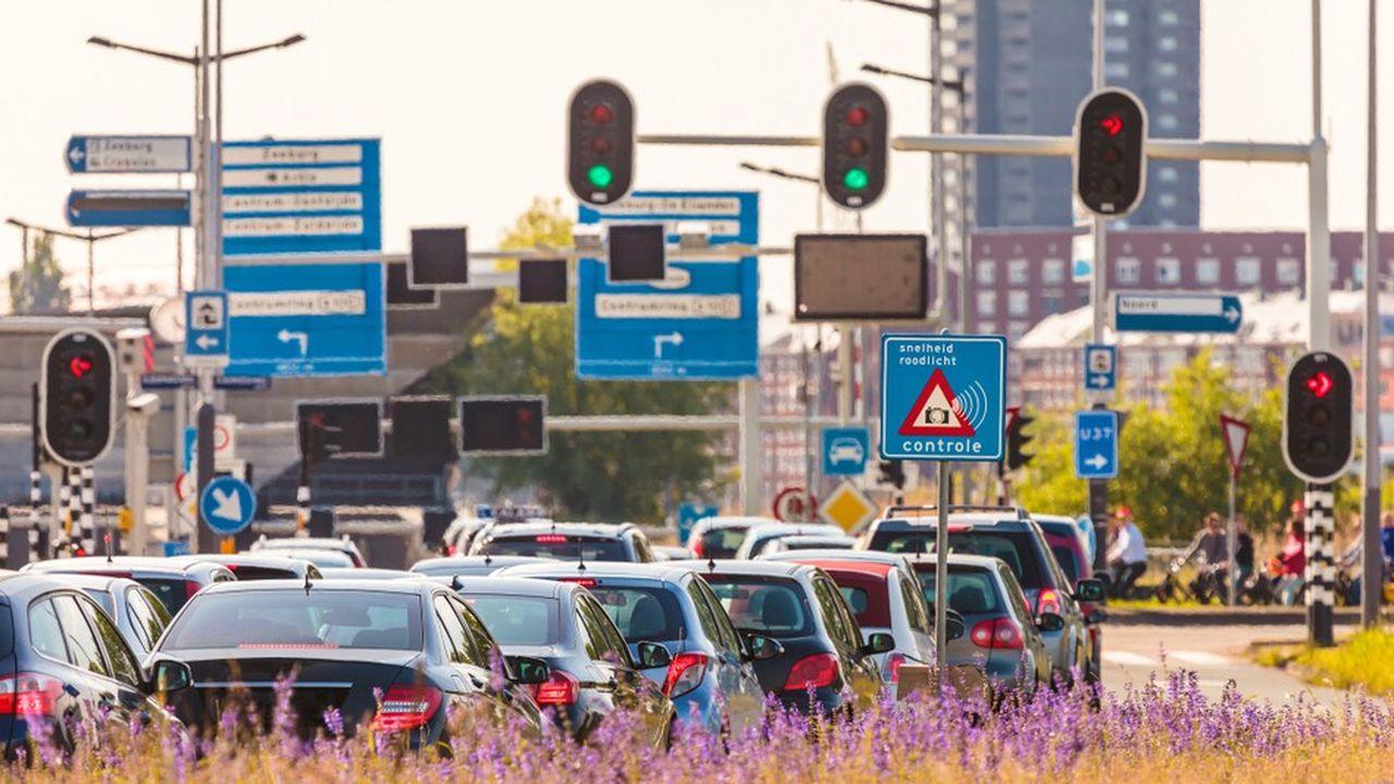 Après Londres, Amsterdam va devenir la deuxième ville d'Europe la plus chère en termes de stationnement avec un tarif horaire de 7,50euros dans le centre-ville, soit une hausse de 50%