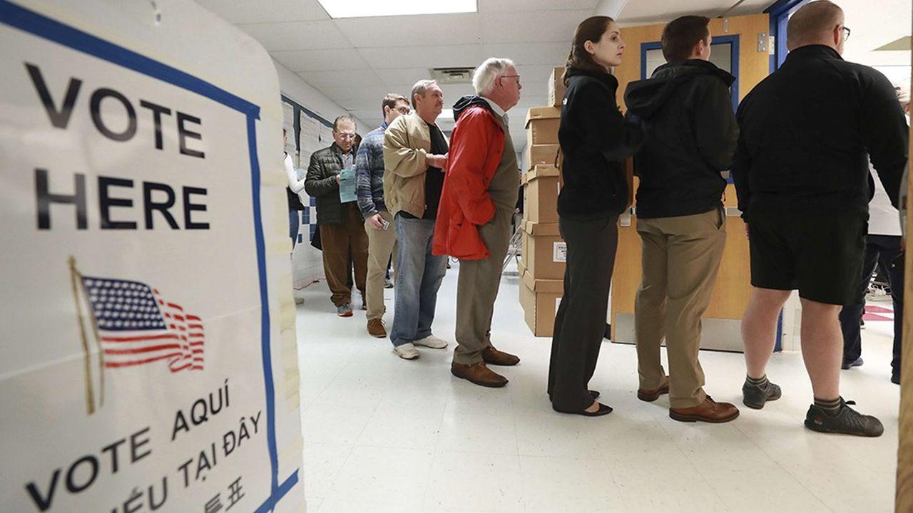 D'après les premières estimations, 48,5% des électeurs ont participéaux élections de mi-mandat de mardi.