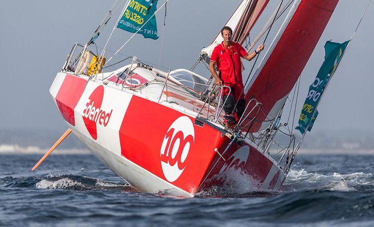 Edenren sponsorise cette année le Class 40 du skipper Emmanuel Le Roch (ici à l'entraînement avant la Route du Rhum en septembre dernier dans la baie de Quiberon).