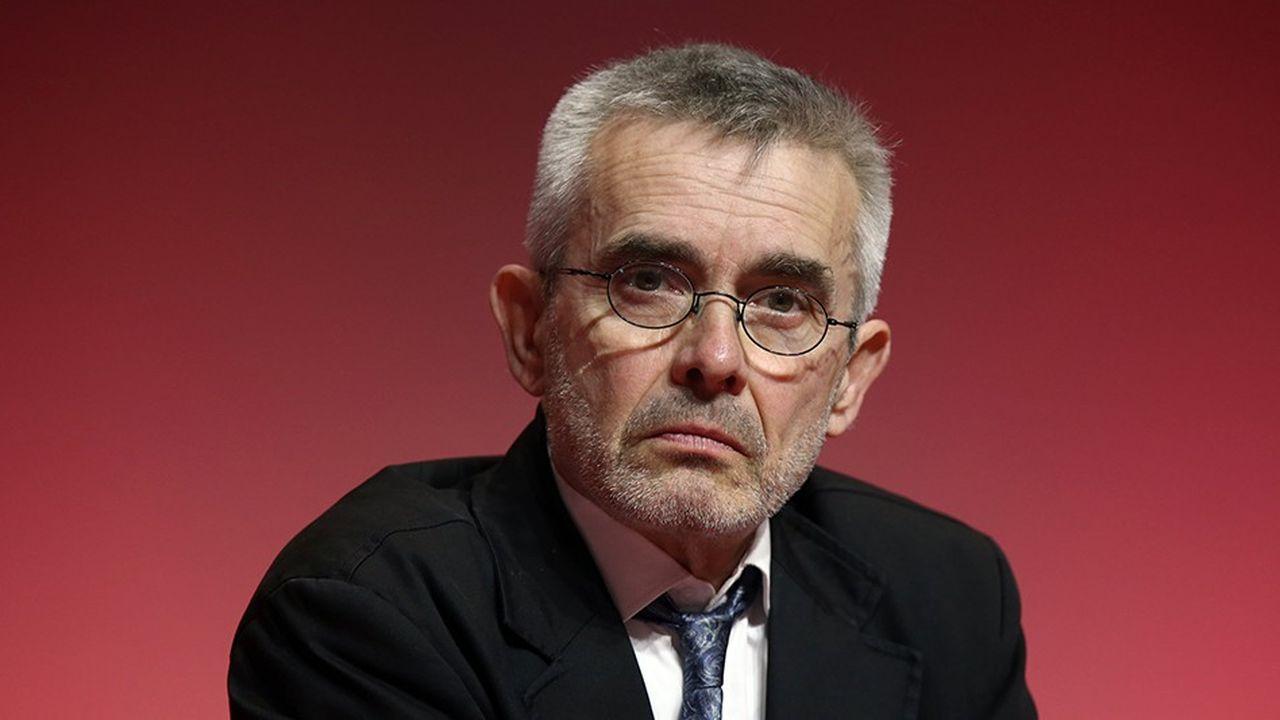 Yves Veyrier est membre du bureau confédéral de Force ouvrière depuis 2004.