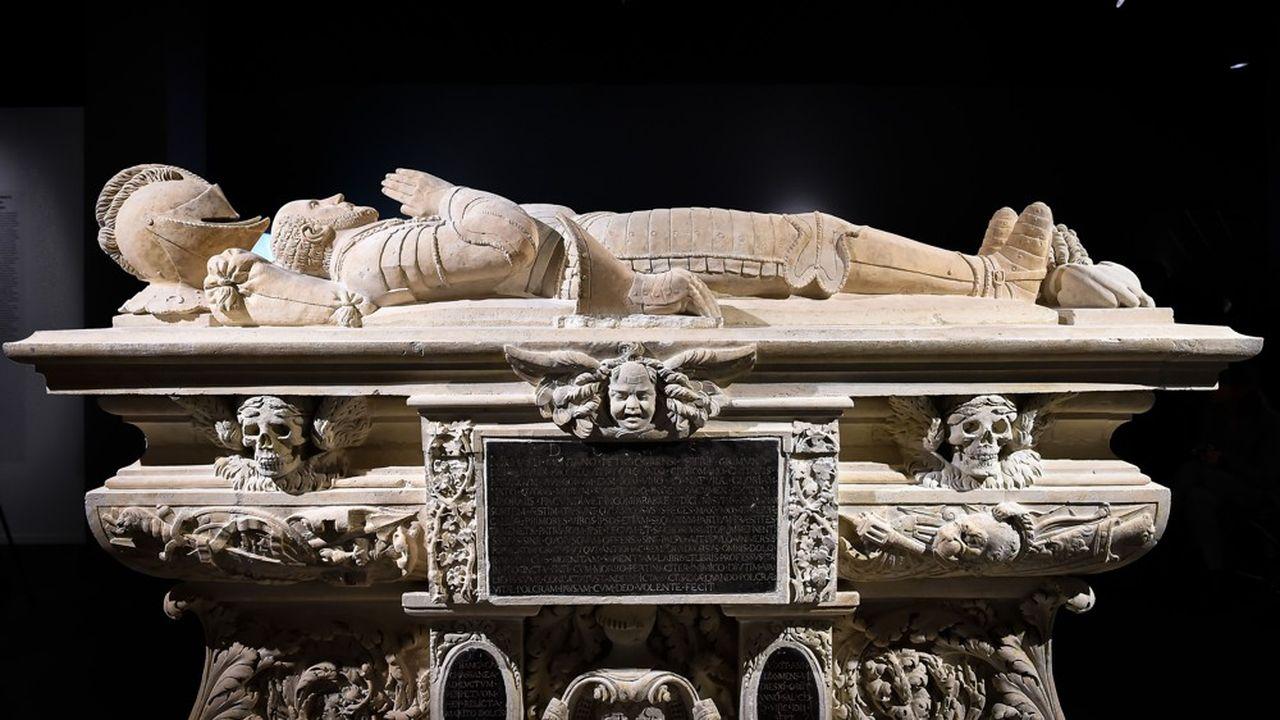Le cénotaphe de Montaigne, au musée d'Aquitaine de Bordeaux.