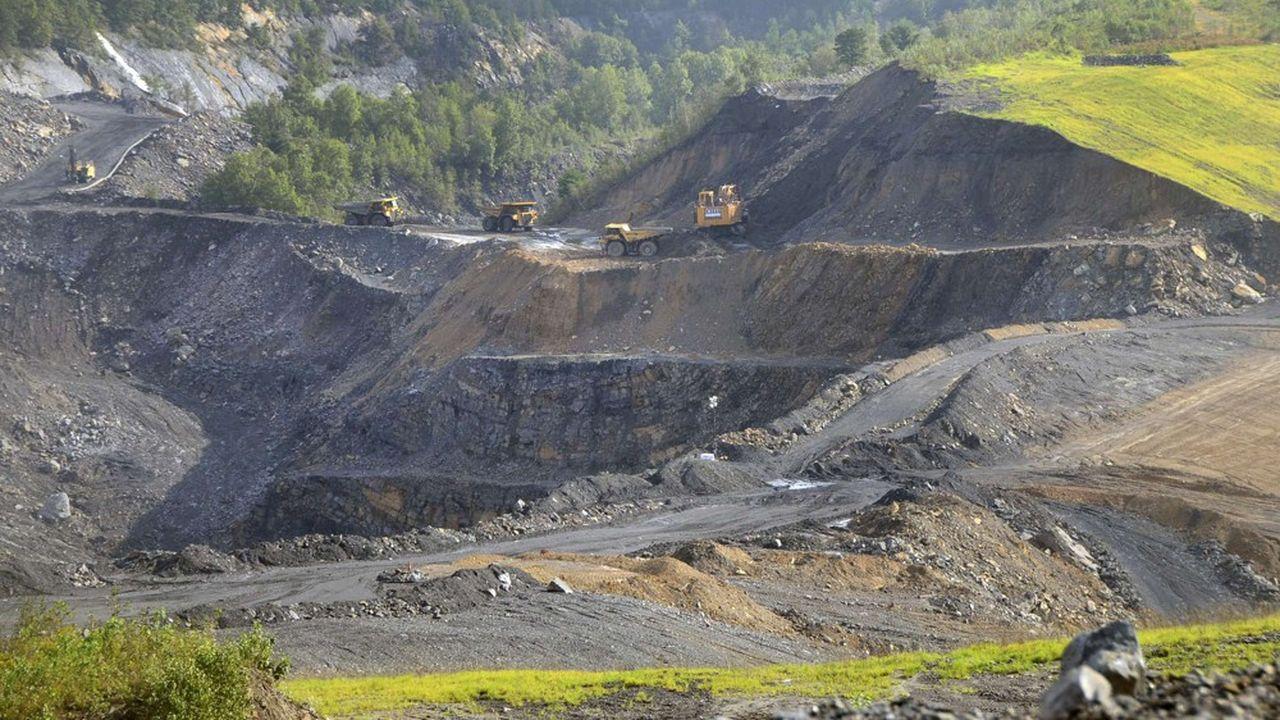 Le charbon reste encore trop important dans les énergies fossiles financées, selon Oxfam