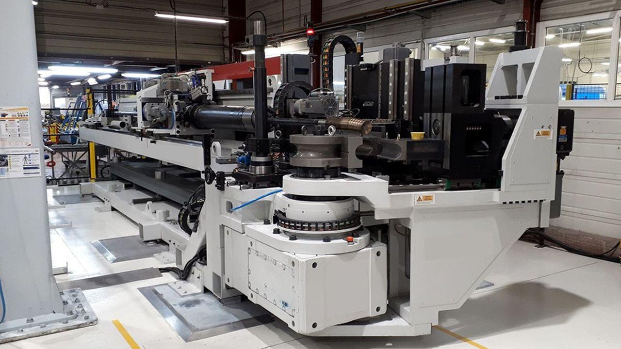 Une cintreuse dans l'usine Técalémit de Luceau (ex-Daher).