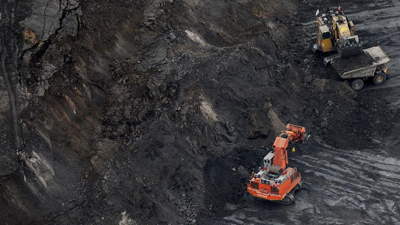 Il y a un an, AXA avait revu à la hausse ses désinvestissements des producteurs d'énergie à forte intensité carbone.