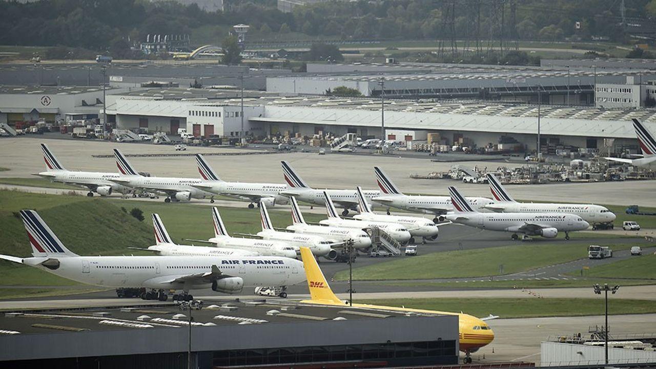 Les compagnies aériennes estiment que Roissy et Orly figurent déjà parmi les aéroports les plus chers d'Europe.