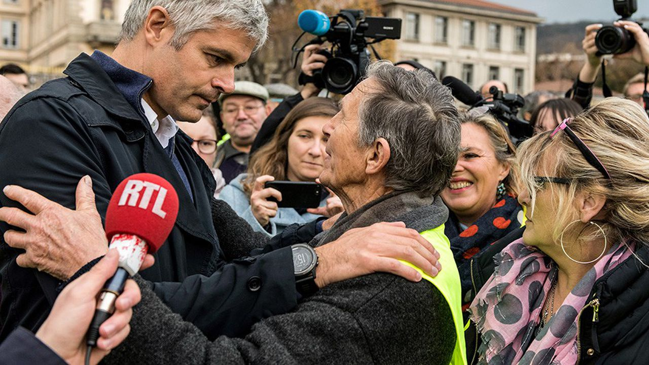 Laurent Wauquiez aux côtés des «gilets jaunes», le 17novembre, au Puy-en-Velay