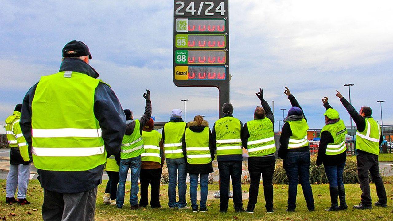 Le chiffre d'affaires de la grande distribution a reculé de 35% le samedi 17novembre lors de la première journée d'action des «gilets jaunes» puis de 18% le samedi 24novembre, selon Bercy.