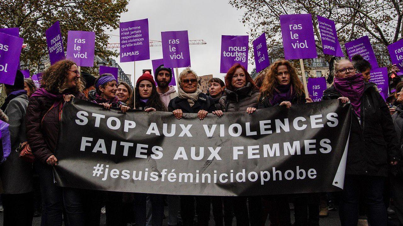 Samedi, des dizaines de milliers de femmes et d'hommes ont participé à une marche contre les violences faites aux femmes dans une cinquantaine de villes en France